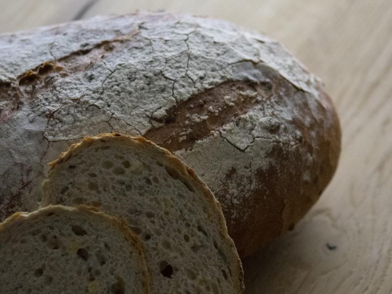 BROOD VAN DE MAAND: CAMPUS